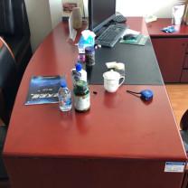 浩展 大班台 W1800*D900(两边W800)*H760 电脑操作区(黑色,操作区域下面有个和桌面板区域做得一样厚度的抽屉)W770*D550 (花梨木色) 花梨木色贴面,E1级中密度板